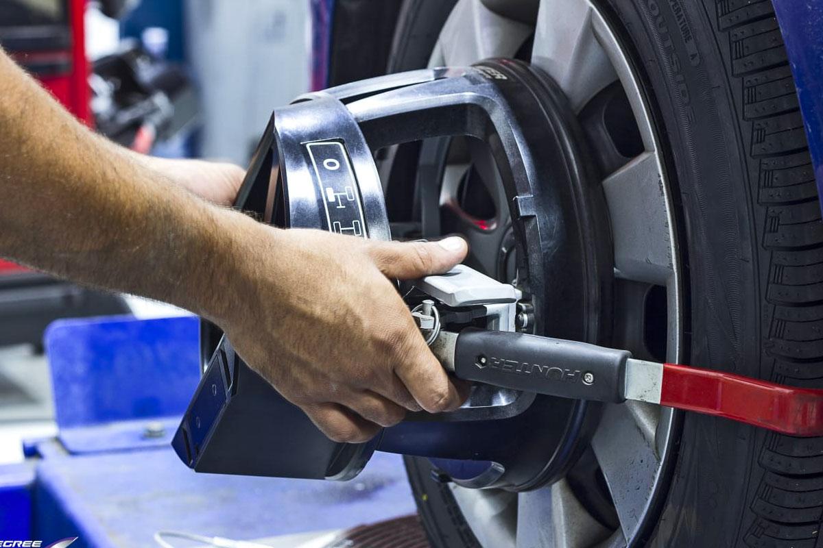 parallelisme equilibrage geometrie pneu pas cher suspension abdapneus drancy 93 2